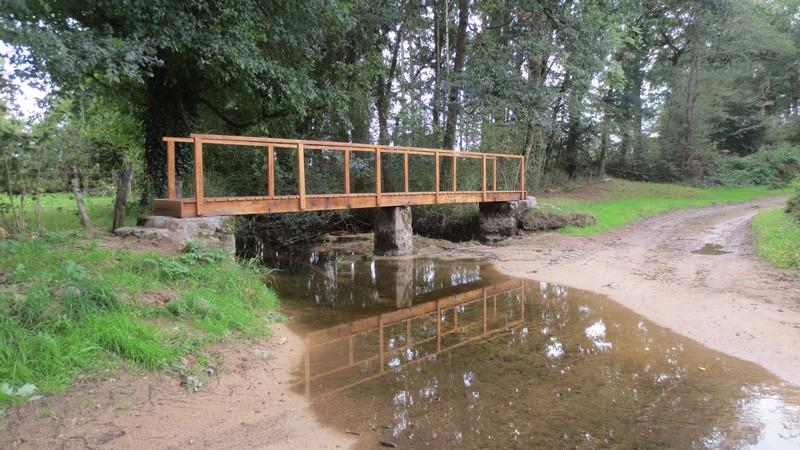 Circuits de randonn es le petit pont de bois de la - Petit pont en bois ...
